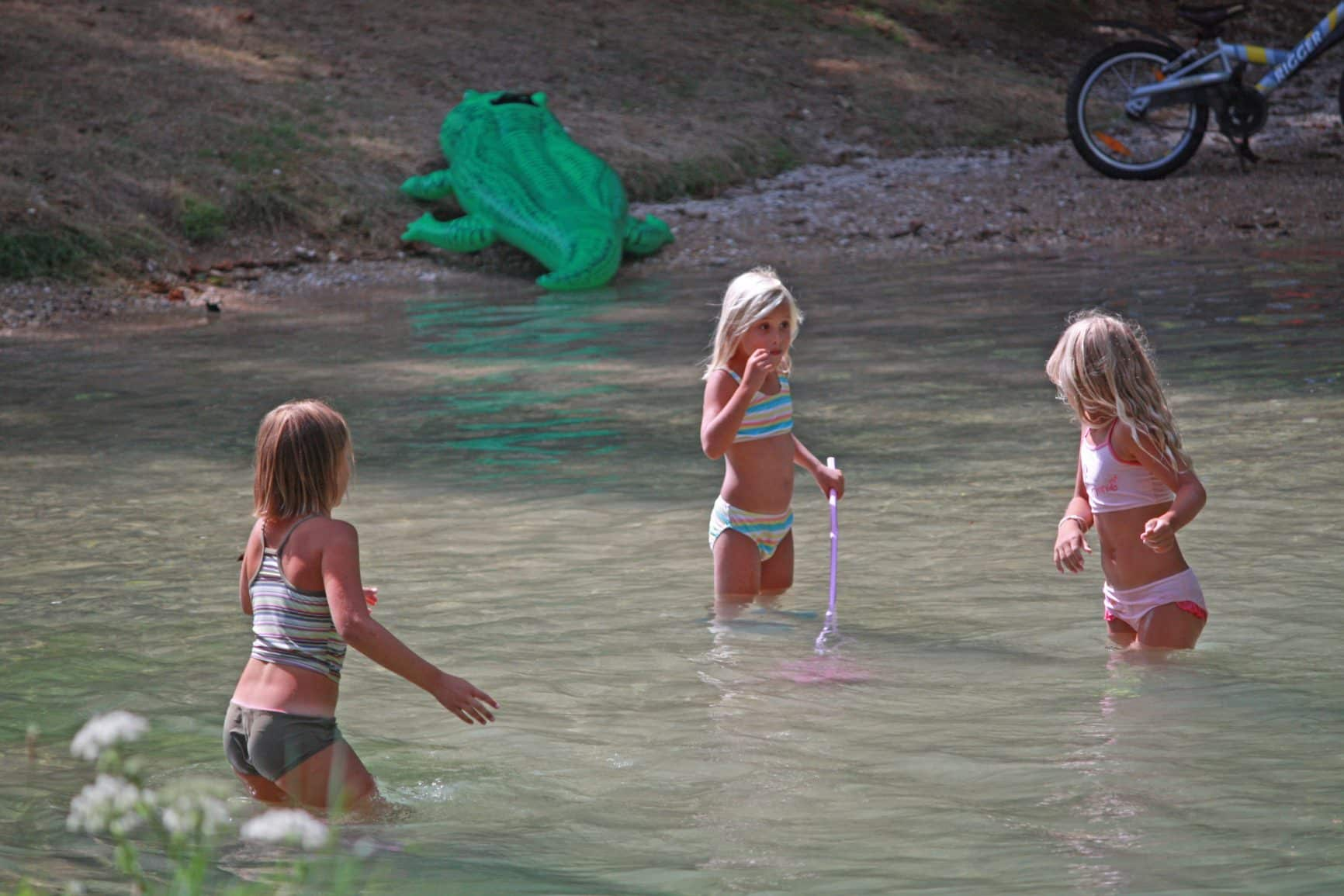 jeux-riviere-camping-bel-ombrage
