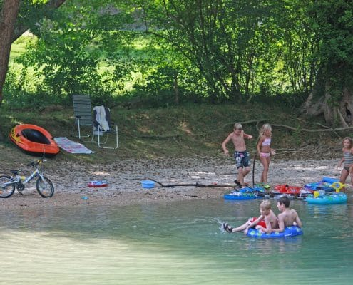 jeux-riviere-camping-3-etoiles-bel-ombrage