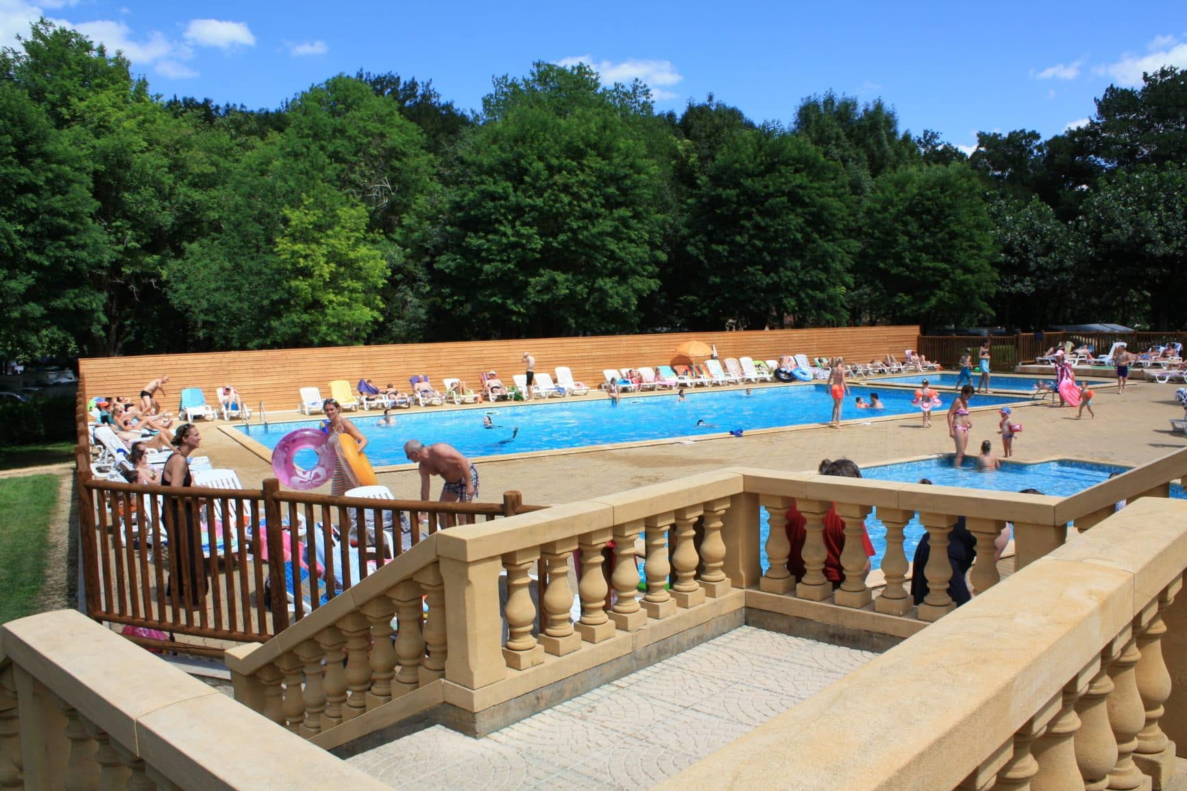 les-piscines-camping-bel-ombrage
